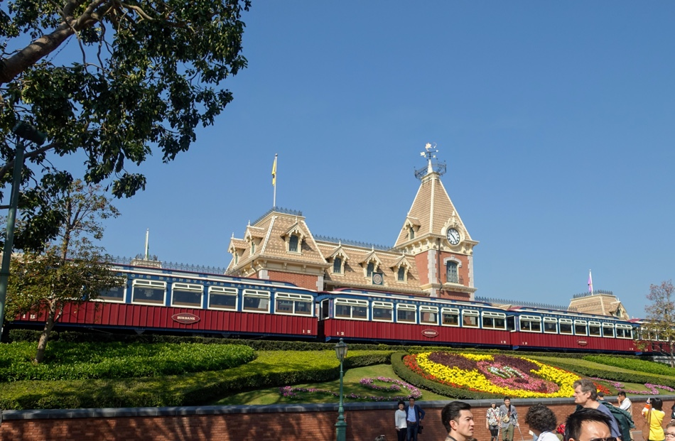 Disneyland Hong Kong Review